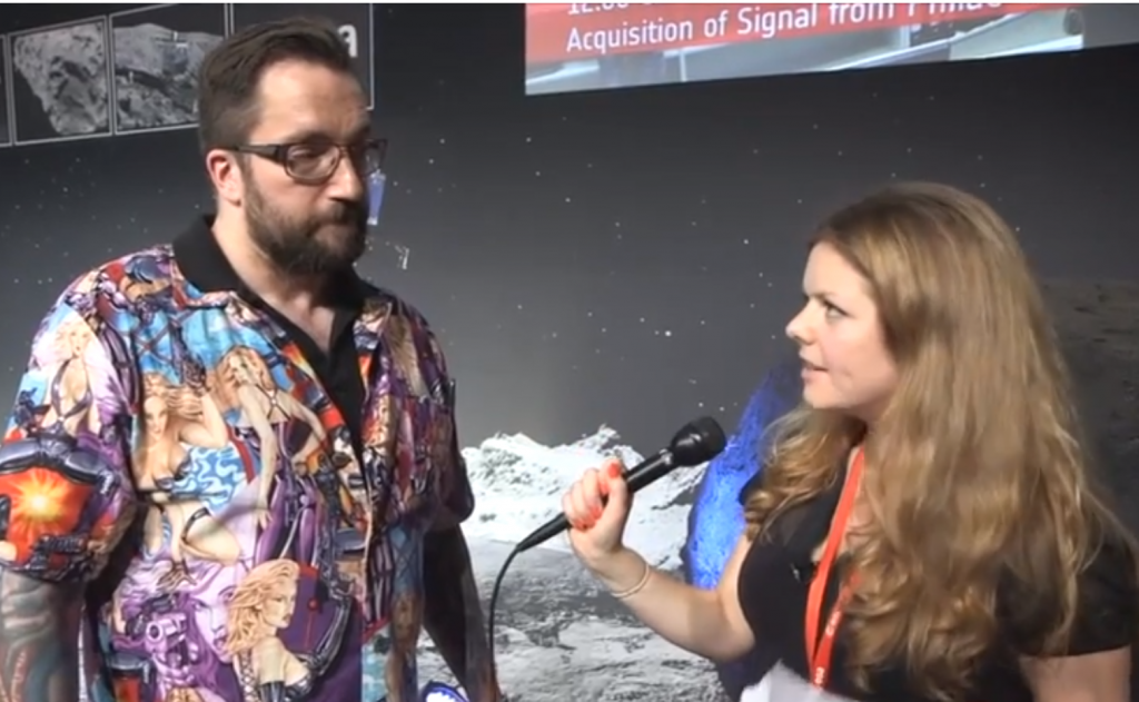 Comet Landing Head Scientist Welcomes Women to STEM With Sexy Chick Shirt